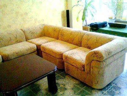 Перетяжка мягкой мебели по низкой цене