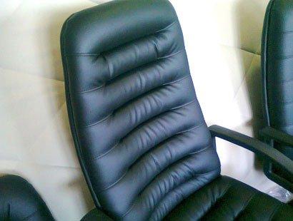 заказать перетяжку кресла в Киеве